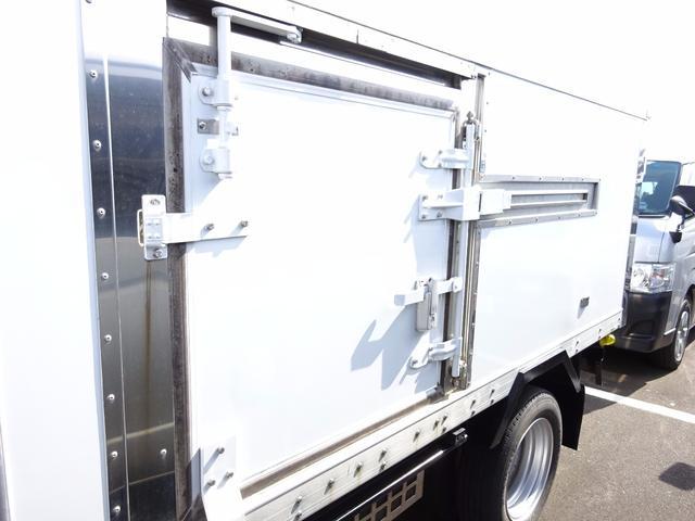 三菱ふそう キャンター 2t 冷蔵冷凍車