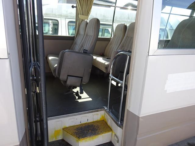 福祉車両 リフト付 車イス2脚固定可 自動扉ステップ(6枚目)