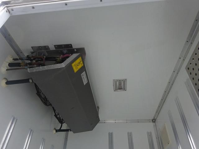 2t 冷蔵冷凍車 2室 バックモニター キーレス(15枚目)