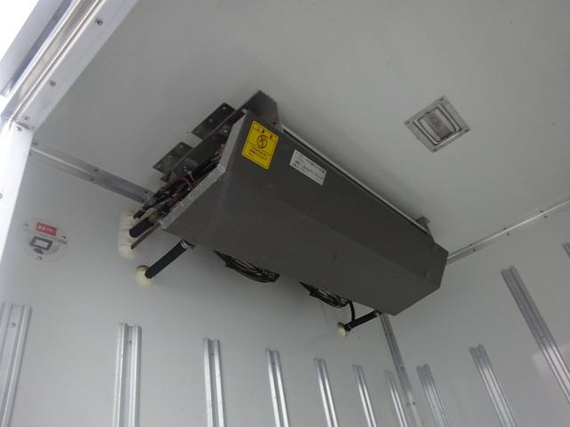 2t 冷蔵冷凍車 2室 バックモニター キーレス(16枚目)