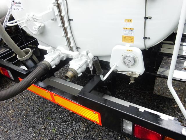 3.7t バキュームカー 衛生車 オートマ モリタエコノス(6枚目)