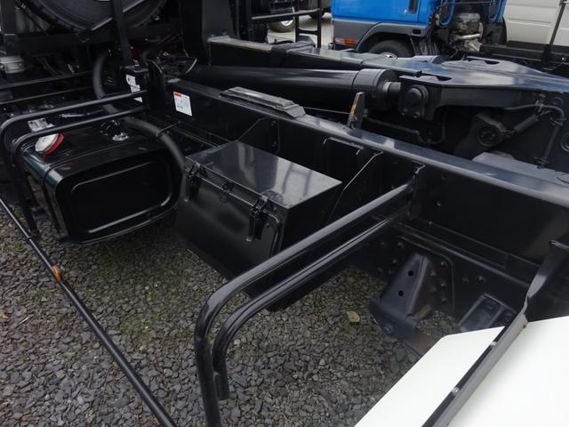 アームロール 3.75t 脱着装置付コンテナ専用車 ターボ 6速マニュアル(16枚目)