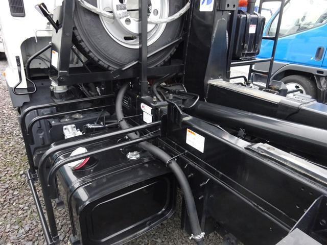 アームロール 3.75t 脱着装置付コンテナ専用車 ターボ 6速マニュアル(17枚目)