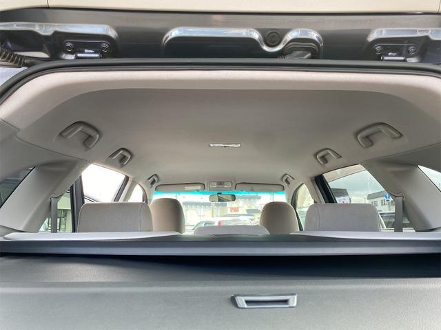 240F 4WD 8ヶ月8000km無料保証付き 純正HDDナビ プッシュスタート CVT ディスチャージドヘッドライト 純正アルミホイール  禁煙 3列シート フルフラットシート ABS ESC エアコン(12枚目)