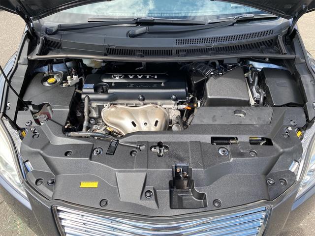 240F 4WD 8ヶ月8000km無料保証付き 純正HDDナビ プッシュスタート CVT ディスチャージドヘッドライト 純正アルミホイール  禁煙 3列シート フルフラットシート ABS ESC エアコン(17枚目)