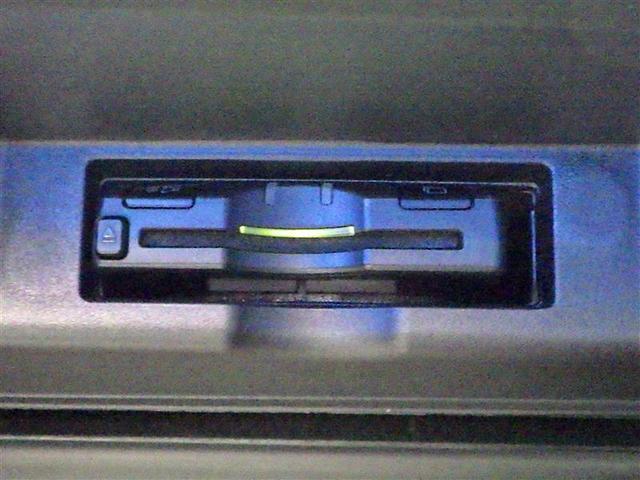 プレミアム フルセグ メモリーナビ DVD再生 バックカメラ 衝突被害軽減システム ETC LEDヘッドランプ ワンオーナー(7枚目)