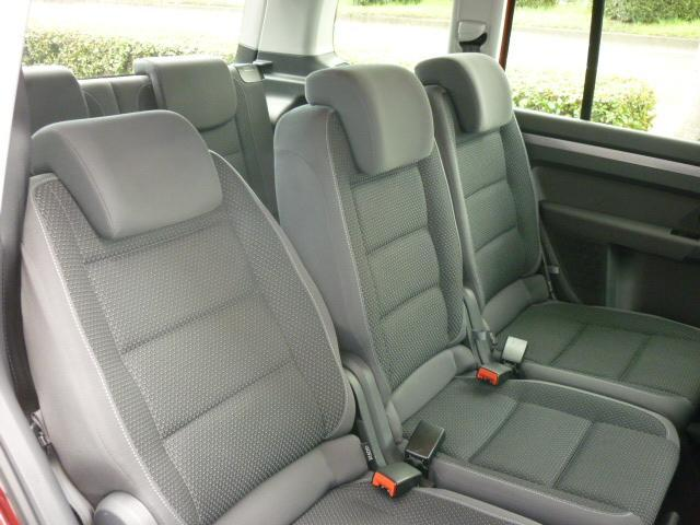 フォルクスワーゲン VW ゴルフトゥーラン TSI コンフォートライン 8インチ地デジナビ メーカー保証