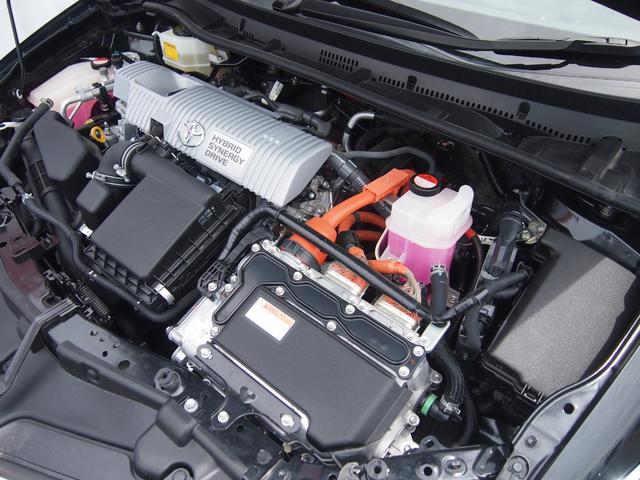 ハイブリッド 純正ナビ フルセグ Bluetooth Bカメ ETC トヨタセーフティセンス ウインカーミラー クルコン 革巻きハンドル 車線逸脱警報 修復歴なし 取説有 保証付き(5枚目)