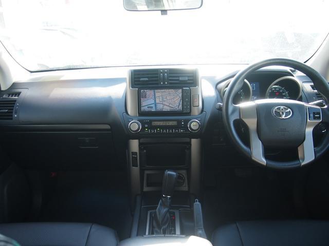TX 純正ナビ フルセグ Bカメ ETC Bluetooth対応 DVD再生 黒革シートカバー オフロードタイヤ 7人乗り(19枚目)