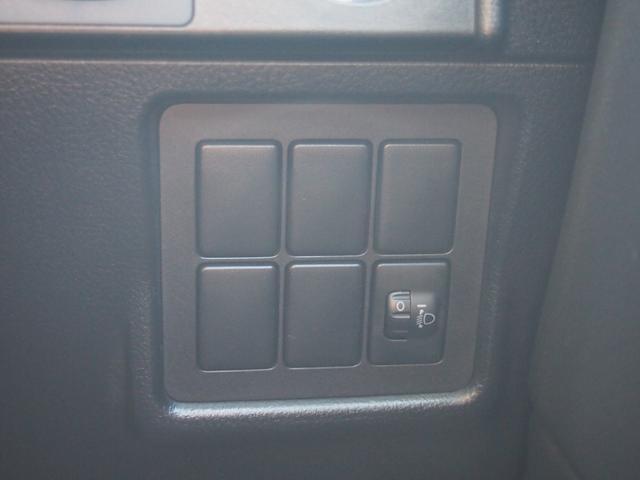 TX 純正ナビ フルセグ Bカメ ETC Bluetooth対応 DVD再生 黒革シートカバー オフロードタイヤ 7人乗り(36枚目)