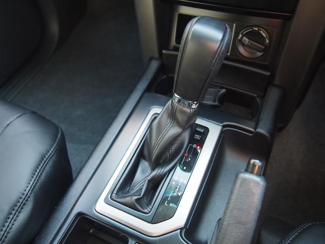 TX 純正ナビ フルセグ Bカメ ETC Bluetooth対応 DVD再生 黒革シートカバー オフロードタイヤ 7人乗り(45枚目)