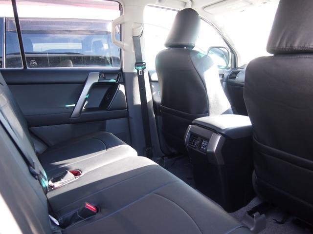 TX 純正ナビ フルセグ Bカメ ETC Bluetooth対応 DVD再生 黒革シートカバー オフロードタイヤ 7人乗り(57枚目)