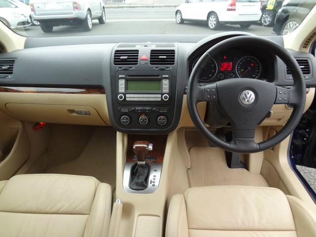 フォルクスワーゲン VW ジェッタ 2.0T ICターボ 本革シート キセノン クルコン