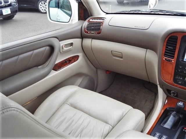 トヨタ ランドクルーザー100 VXリミテッド Gセレクション 1ナンバー 本革シート