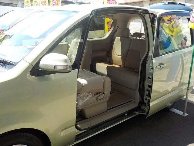 トヨタ ポルテ 130i Cパッケージパワースライドドア
