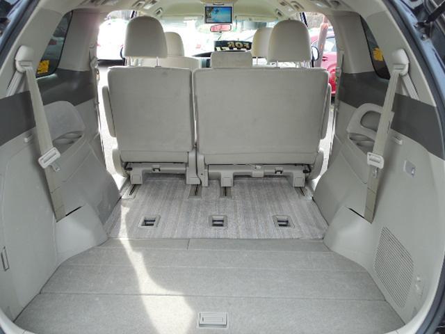 サードシートを床下に収納すればフラットな空間が生まれます。