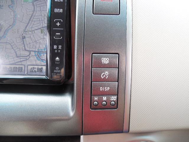 メーター照度コントロールスイッチや車両インフォメーションディスプレイスイッチなど。