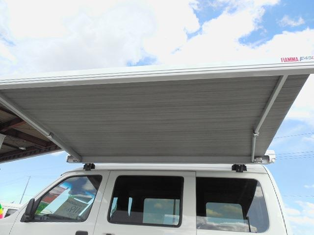 DX SAIII キャンピング4WD衝突軽減ブレーキ車線逸脱警報前後誤発進抑制先行車発進おしらせオートハイビーム横滑り防止装置アイドリングストップLEDヘッドライトオーバーヘッドコンソールハイルーフサイドオーニング(7枚目)