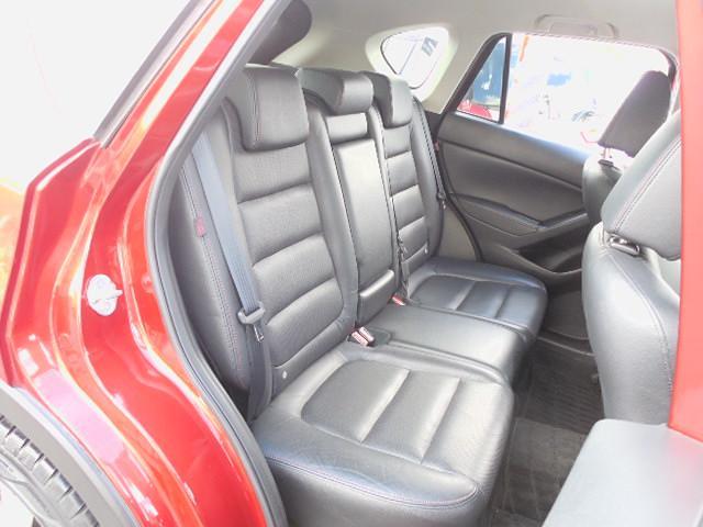 XD Lパッケージ スカイアクティブディーゼルターボ4WDSDナビフルセグ本革シート運転席パワーシート前席シートヒーターアイドリングストップクルーズコントロールリアビークルモニタリングシステム(11枚目)