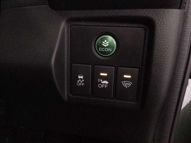 ホンダセンシングで自動ブレーキや誤発進など安全運転をサポートします