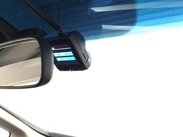 【ドライブレコーダー搭載】・・・万が一の際の記録や楽しい観光の思い出の記録をできる頼もしいドライブの味方です♪