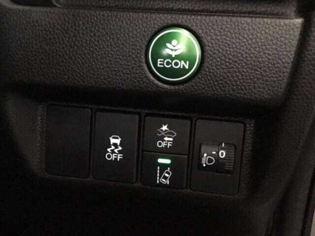 手なりの位置で操作しやすい先進装置のスイッチ類。