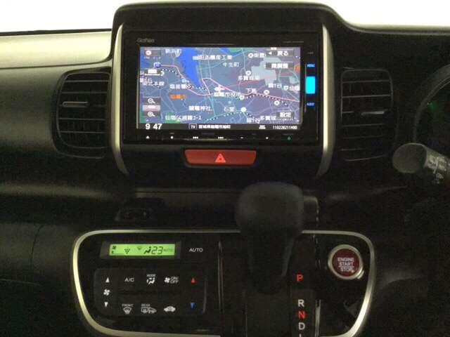 G SSパッケージ スマートキー リアカメラ 横滑り防止装置 4WD ETC シートヒーター ナビTV メモリーナビ フルセグ ABS CD DVD 左パワースライド 盗難防止システム アイドリングストップ SRS(8枚目)