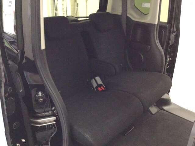 G SSパッケージ スマートキー リアカメラ 横滑り防止装置 4WD ETC シートヒーター ナビTV メモリーナビ フルセグ ABS CD DVD 左パワースライド 盗難防止システム アイドリングストップ SRS(17枚目)