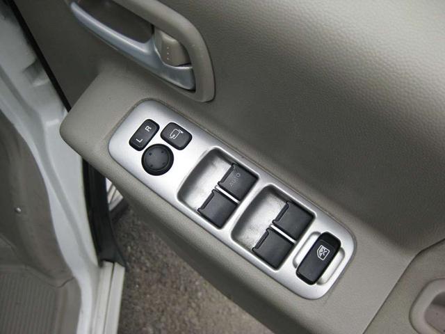 PZターボスペシャル 4WD リフトアップ ナビ・地デジ・両側電動スライドドア(9枚目)