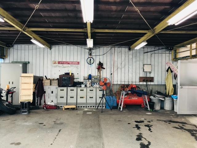 自社認証工場も完備!鈑金塗装や修理、車検、定期的なお車のメンテナンスもお任せください!