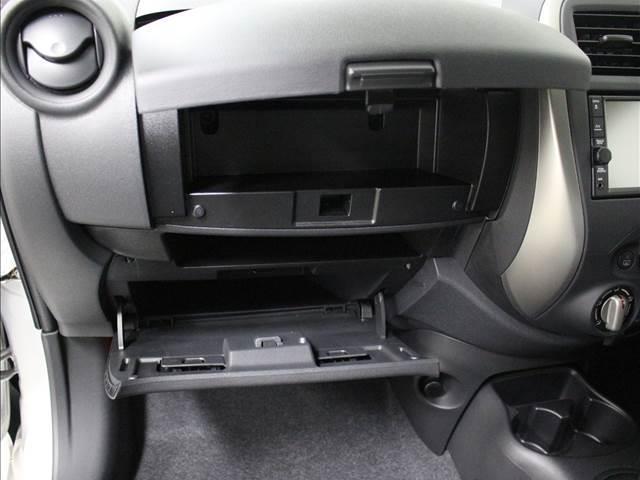 X Vセレクション 登録済未使用車 コンパクトカー(4枚目)