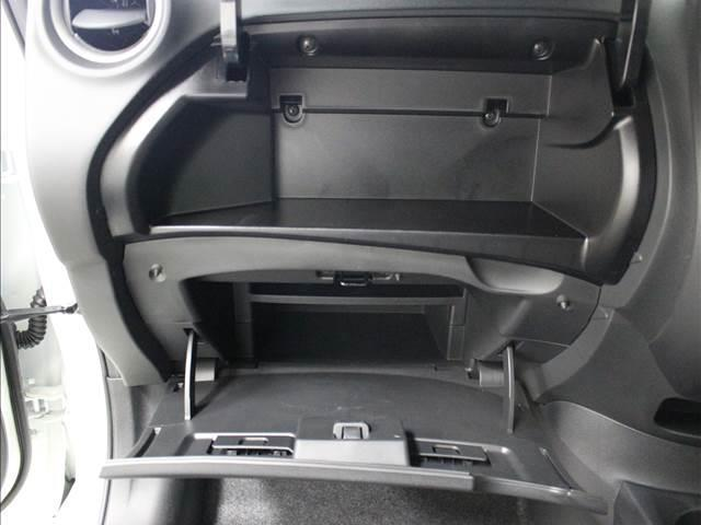 X 登録済未使用車 コンパクトカー(4枚目)