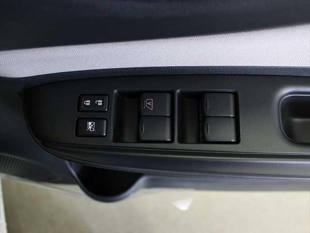 X 登録済未使用車 コンパクトカー 衝突軽減ブレーキ(14枚目)