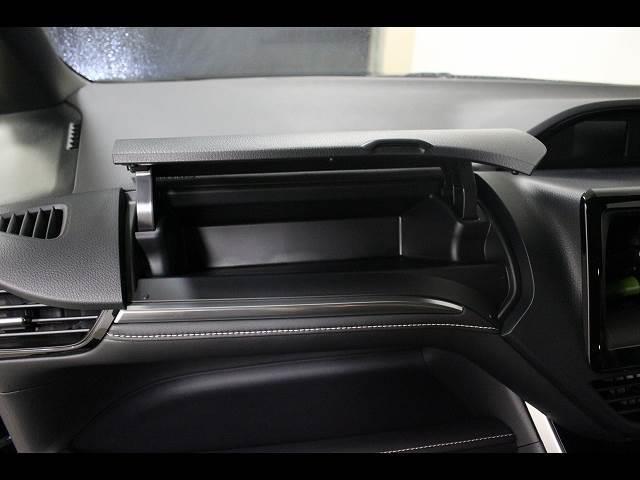 Xi 3列シート8人乗り 登録済未使用車 電動スライドドア(5枚目)