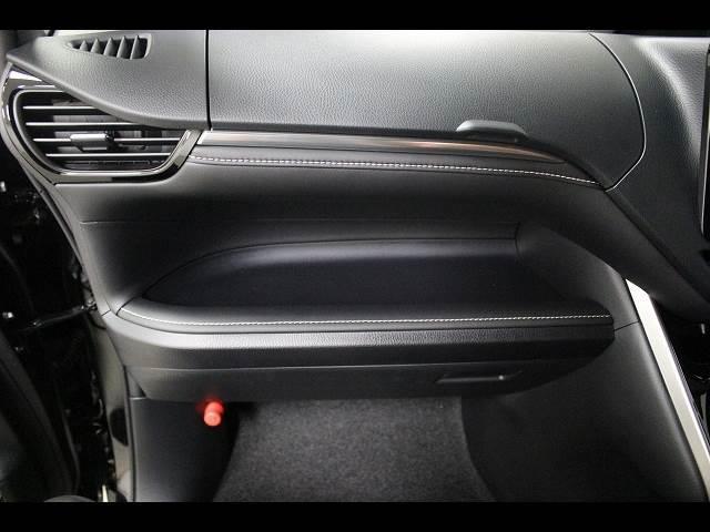 Xi 3列シート8人乗り 登録済未使用車 電動スライドドア(6枚目)