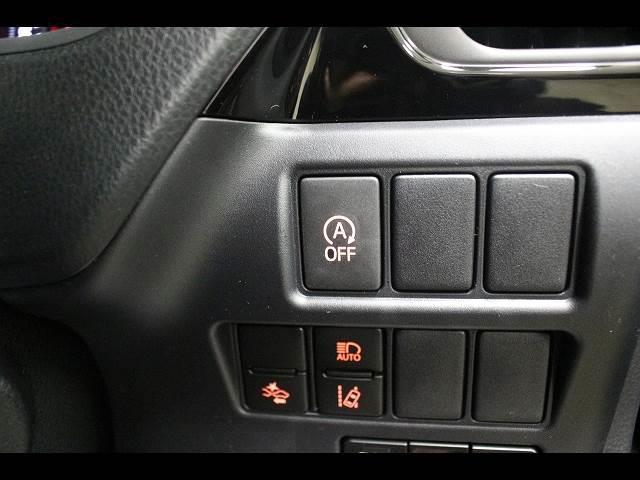 Xi 3列シート8人乗り 登録済未使用車 電動スライドドア(10枚目)