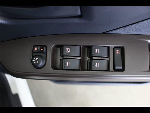 XSA3 登録済未使用車 コンパクトカー両側スライド(16枚目)
