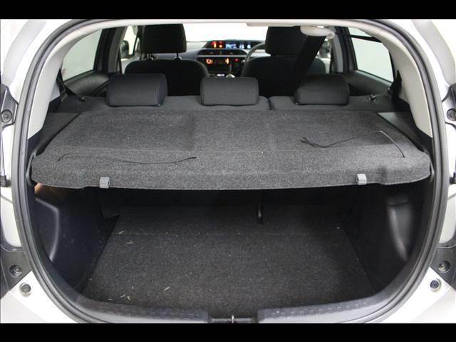 S 衝突軽減ブレーキ 横滑り防止装置 CDオーディオ装着車(17枚目)