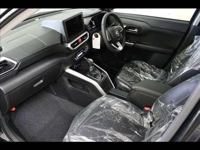 プレミアム プレミアム 4WD 衝突軽減ブレーキサポート 登録済未使用車(11枚目)
