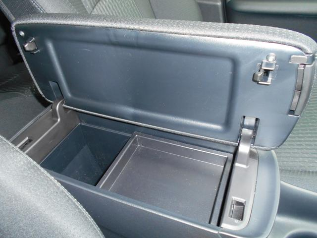トヨタ プリウス S トヨタセーフティセンス プリクラッシュレーダー 4WD