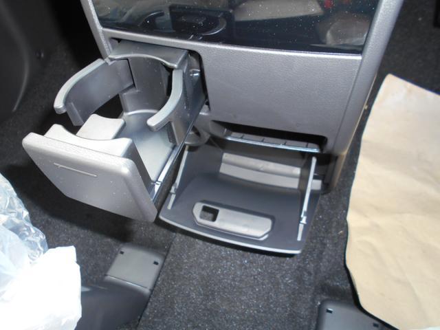 三菱 デリカD:5 ジャスパー 特別仕様車 登録済未使用車 両側電動スライドドア