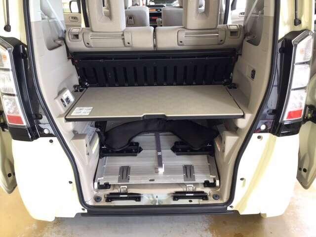 G・Lパッケージ 横滑り防止装置 CD アルミホイール アルミ 福祉車 盗難防止システム CD ABS エコアイドル キセノン スマートKEY ベンチシート ESC キーフリー フルオートエアコン(18枚目)