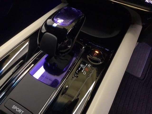 ハイブリッドZ スタイルエディション 衝突被害軽減ブレーキ シートヒーター Bカメラ 衝突軽減装置 クルコン ETC メモリーナビ アイドリングストップ LED 地デジ 盗難防止システム(7枚目)