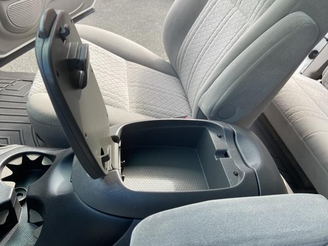 アクセスキャブ SR5 4WD 実走行証明書付 リフトアップ HDDナビ テレビ バックカメラ ETC トノカバー ルーフマーカーランプ サイドステップ キーレス 純正マット 防水マット ブルバー クルーズコントロール(22枚目)