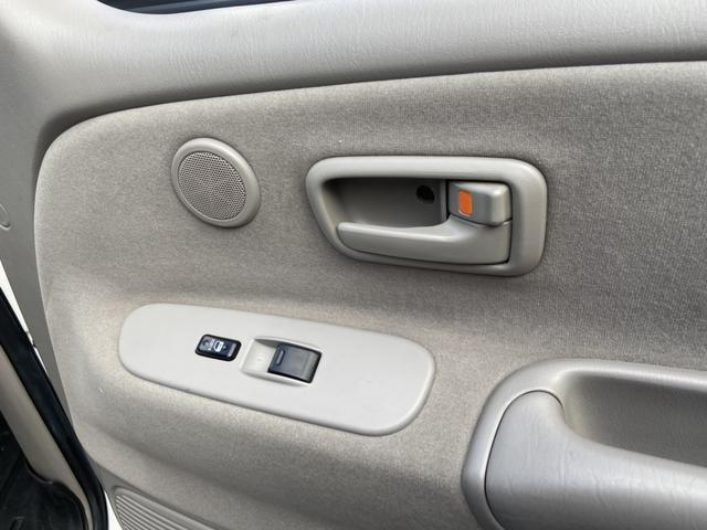 アクセスキャブ SR5 4WD 実走行証明書付 リフトアップ HDDナビ テレビ バックカメラ ETC トノカバー ルーフマーカーランプ サイドステップ キーレス 純正マット 防水マット ブルバー クルーズコントロール(30枚目)