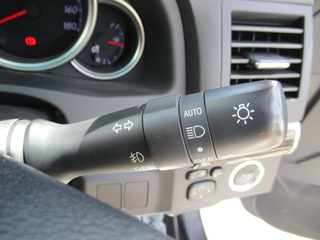 250G Four 4WD フルセグTV・SDナビ バックカメラ ETC 純正16インチアルミ 横滑り防止装置 ステアリングリモコン オートライト HIDヘッドランプ プッシュスタート スマートキー(18枚目)