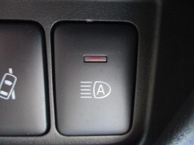 ハイウェイスター X 4WD フルセグTV・SDナビ 全周囲カメラ 純正AW14 衝突被害軽減ブレーキ クリアランスソナー レーンアシスト  シートヒーター オートライト・ハイビーム AUX・Bluetooth接続(25枚目)