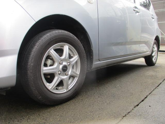 X SAIII 4WD CDデッキ 社外13Aw クリアランスソナー 衝突被害軽減ブレーキ アイドリングストップ 横滑り防止装置 オートハイビーム キーレス AUX・USB接続可(7枚目)