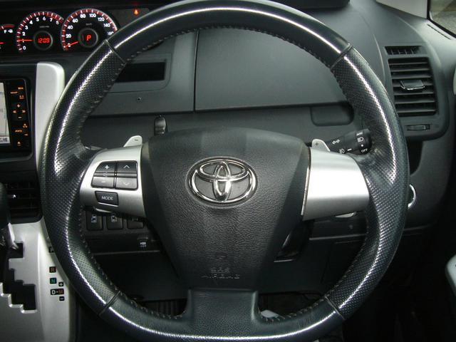 トヨタ ヴォクシー ZS サンルーフ 両側自動ドア 純正HDDナビ 4WD