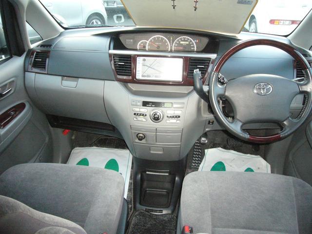 トヨタ ノア X リミテッド 純正HDDナビ 両側自動ドア 4WD